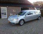 Lincoln MKT zilver grijs.
